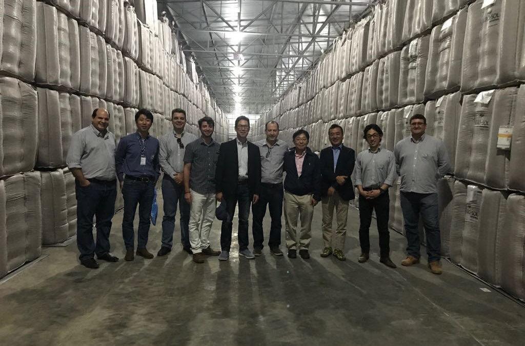 Grupo japonês visita Agro-Sol para troca de experiências