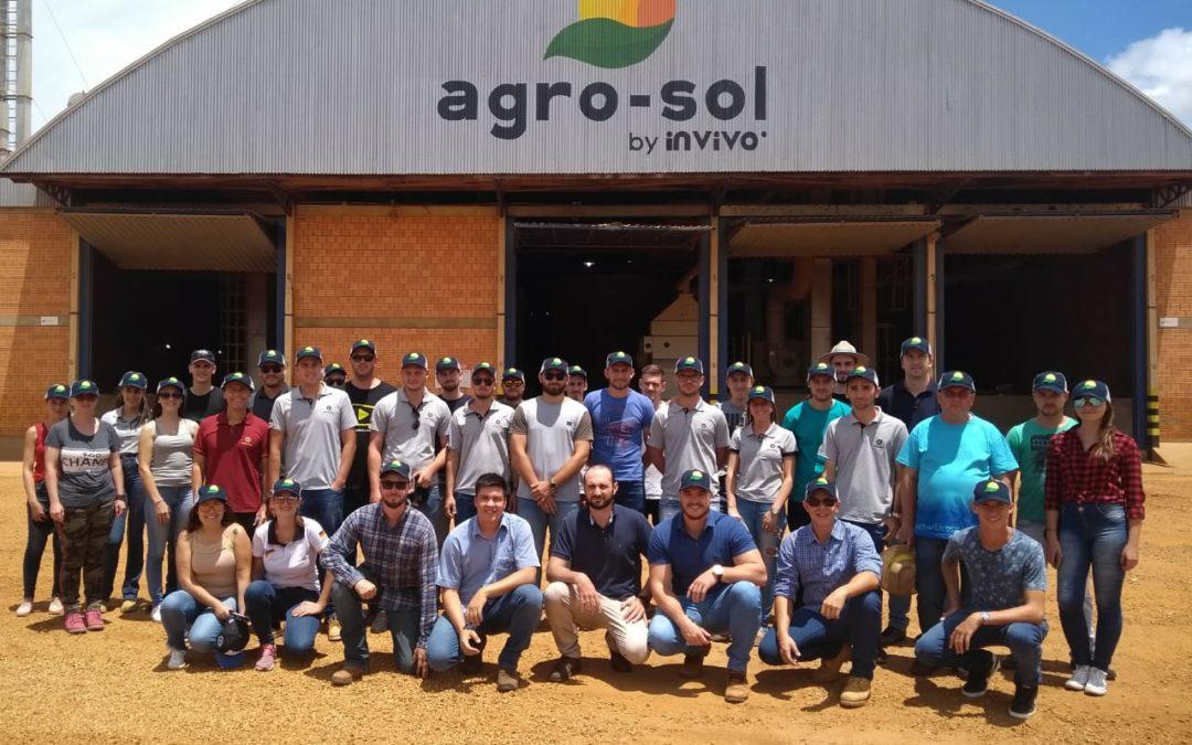 Alunos de universidade do Rio Grande do Sul fazem visita à Agro-Sol