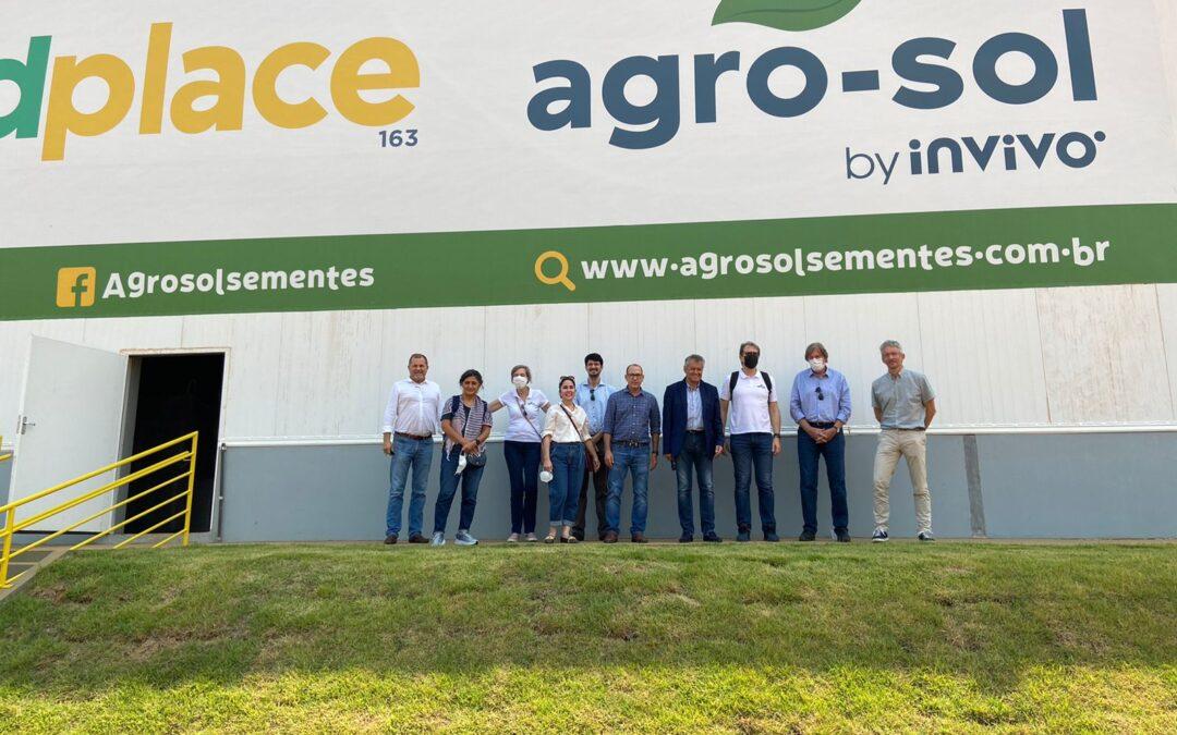 Acionistas brasileiros e franceses fazem visita ao Seed Place 163